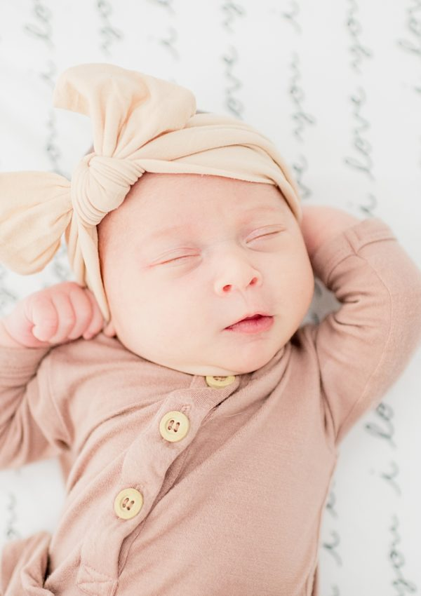 Morgan-Hill-Light-And-Airy-Lifestyle-Newborn-Modern-Photographer